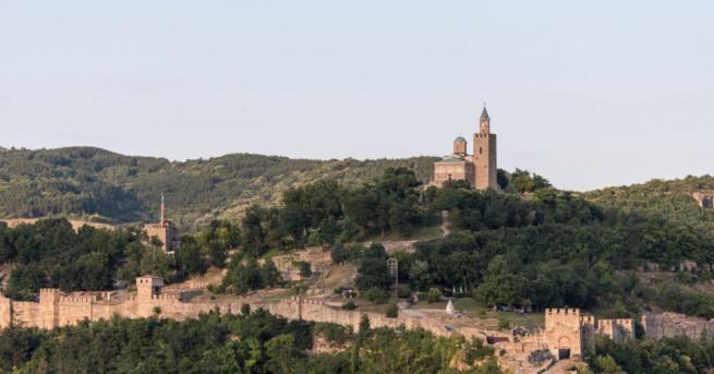 Световноизвестни манастири, хилядолетни градове, романтични селца и грандиозни планини. България