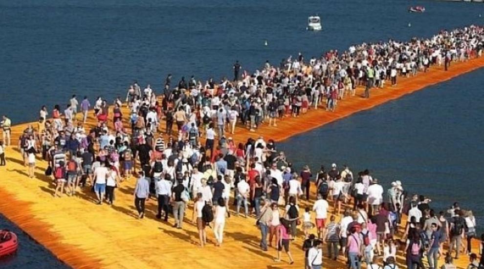 Монтират в Бургас плаващите кейове на Кристо