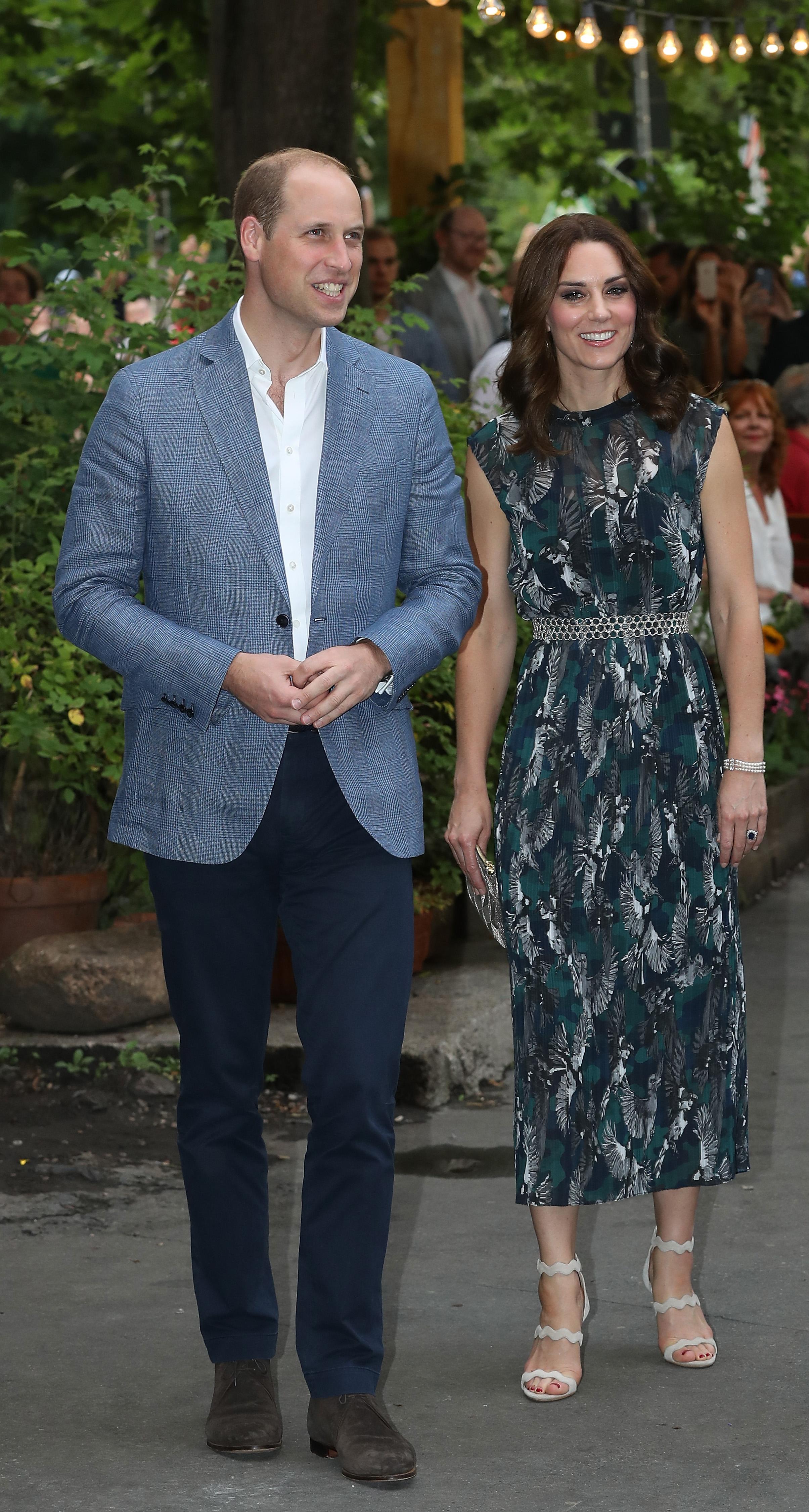 Най-възрастната булка в историята на монархията<br /> Кейт и Уилям имат връзка от 2003 г., но решават да я узаконят чак през 2011 г., когато херцогинята е на 29 години. Така тя става най-възрастната булка на наследник на трона в историята на монархията.