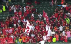 Ливърпул ликува с трофея в Хонг Конг