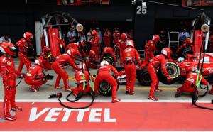 Фетел: Няма криза във Ферари