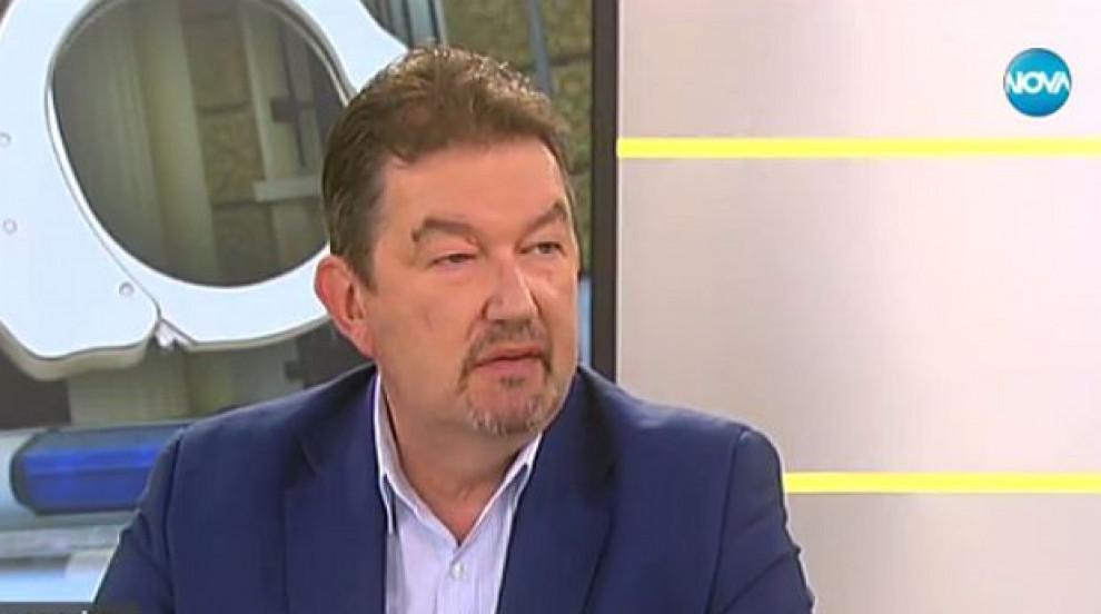 Адвокат Симеонов: Не съветвам Цветан Василев да се връща в България