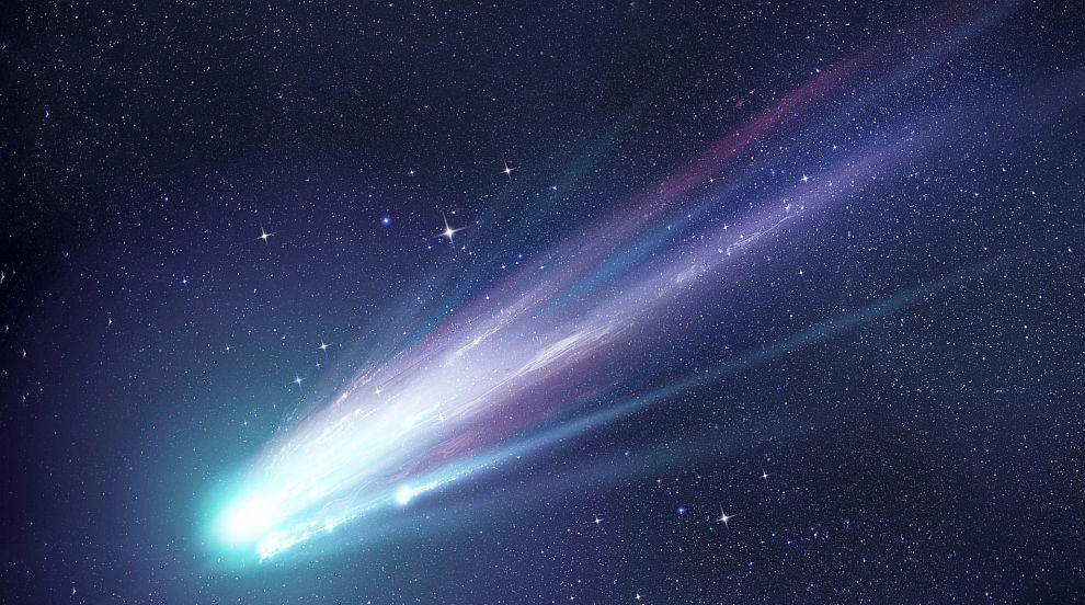 Космонавт засне от МКС ярка комета (СНИМКИ)