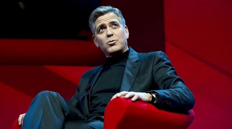 Джордж Клуни се възстановява след катастрофата (ВИДЕО)