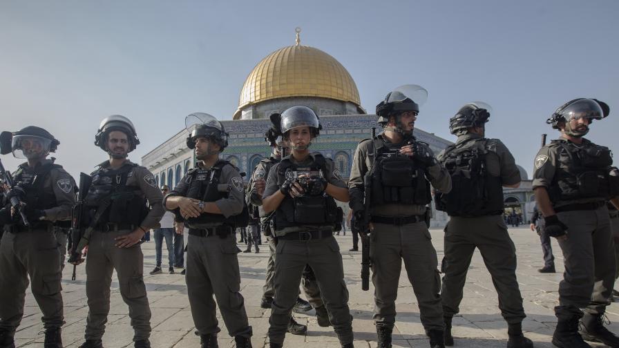 Натиск към Тръмп за промяна на решението за Йерусалим