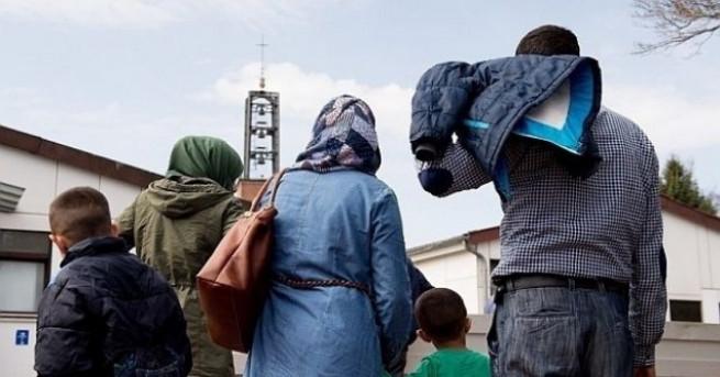 Мнозинството европейци подкрепят приема на бежанци, въпреки че много от