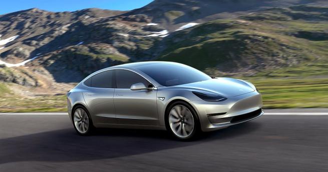 Американският производител на електрически автомобили Тесла (Tesla) достави първите отдавна