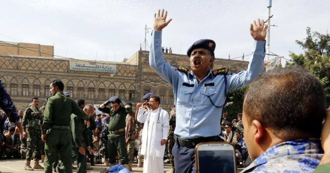 Девет души, осъдени на смърт заради групово изнасилване в Иран,