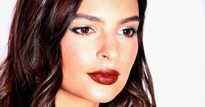 Актрисата и модел Емили Ратайковски засне гореща фотосесия за модното