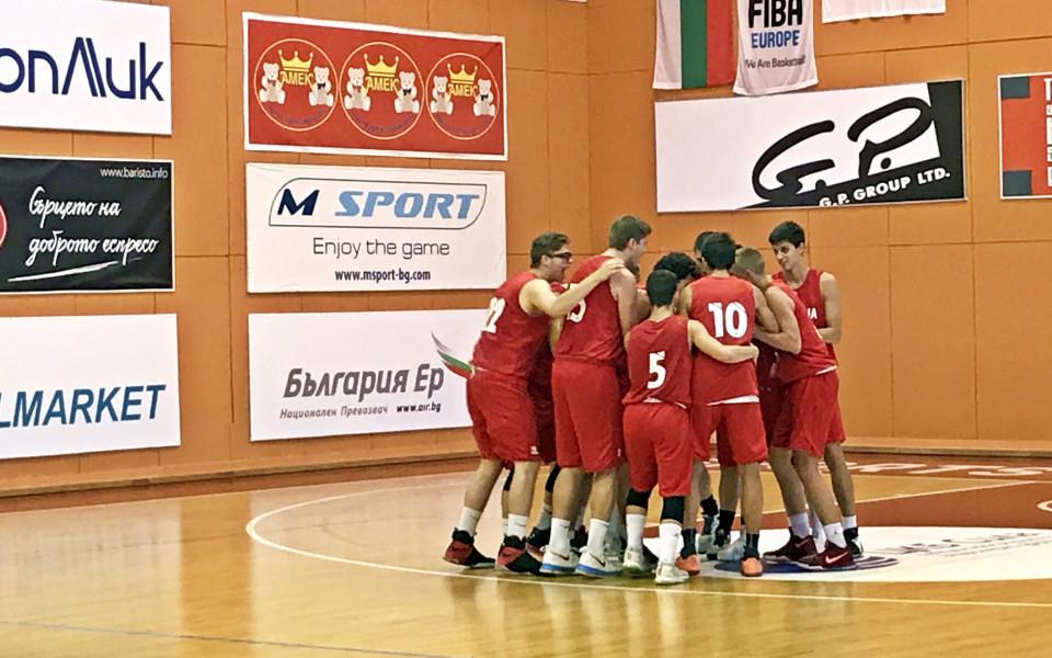 Кадетите по баскетбол биха Румъния в контрола