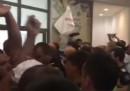 Сблъсъците между полиция и протестиращи в сградата на общината в Каварна