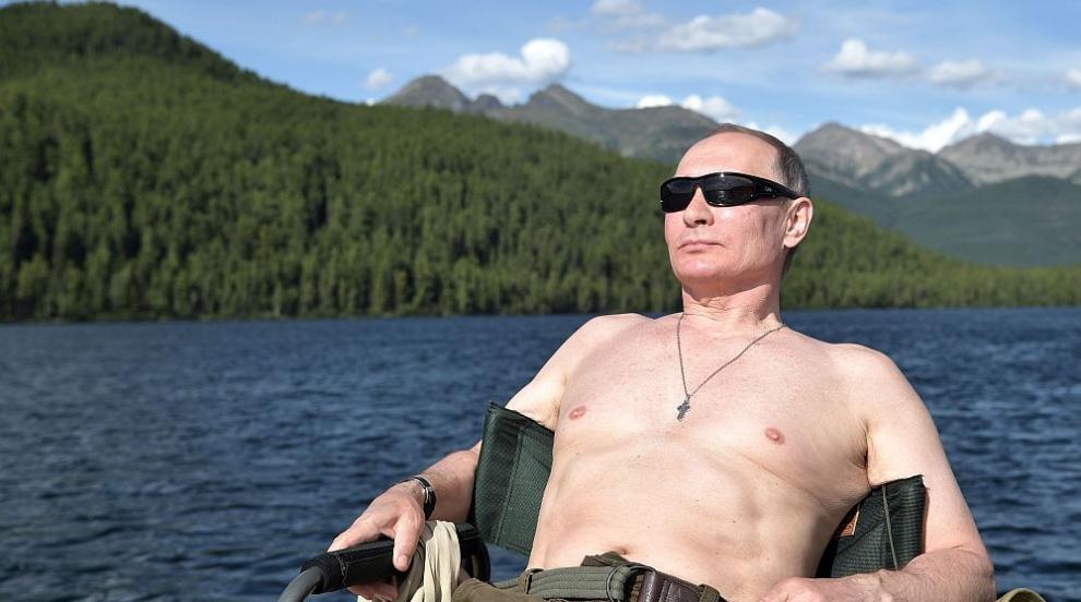 Песен за Путин, който подлудява жените, грабна Грами (ВИДЕО)