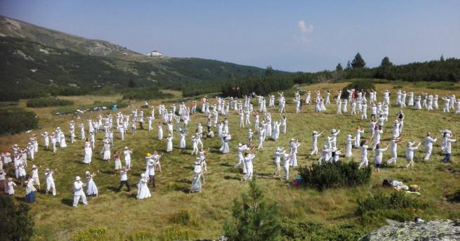 Дъновисти правят днес традиционния си събор в Рила планина. Поради