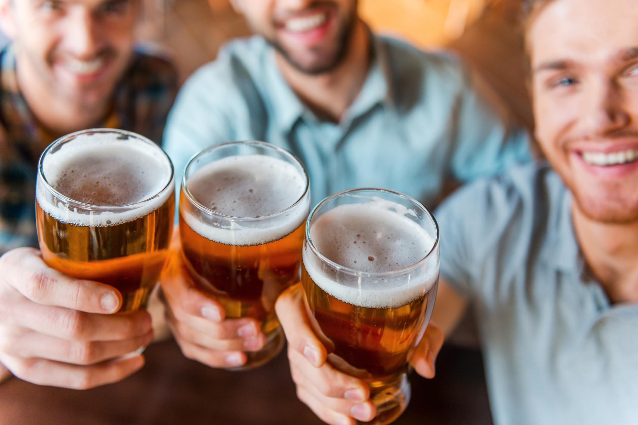 Една бира – 500 милилитра, съдържа 180 калории или приблизително толкова, колкото парче пица или един среден по големина салам.