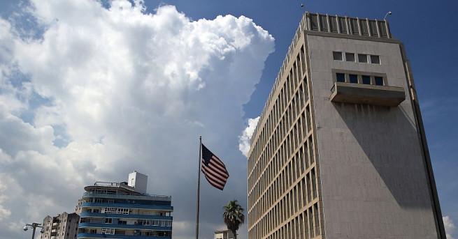 Снимка: Загадъчни инциденти със служители на американското посолството в Хавана