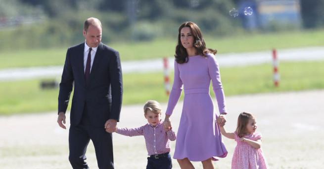 Облеклото на членовете на британското кралско семейство винаги е привличало