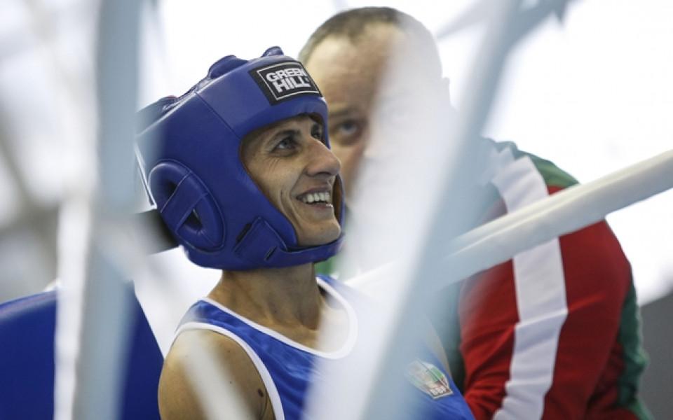 Севда Асенова в битка за титлата на първенството на ЕС