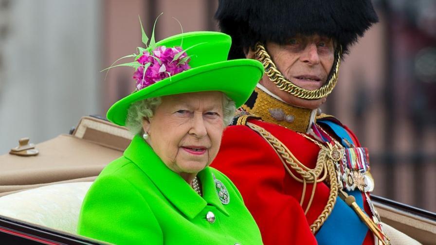 Разкриха причината за ярките дрехи на кралица Елизабет Втора
