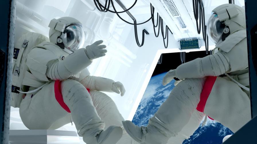 Руски космонавти разказват стряскащи истории за космоса