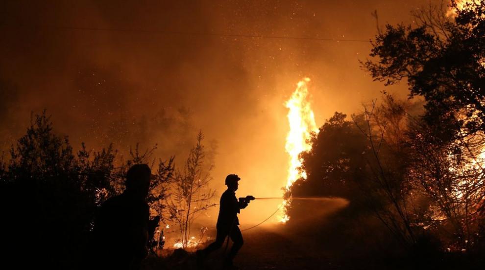 Овладени са пожарите в Гърция