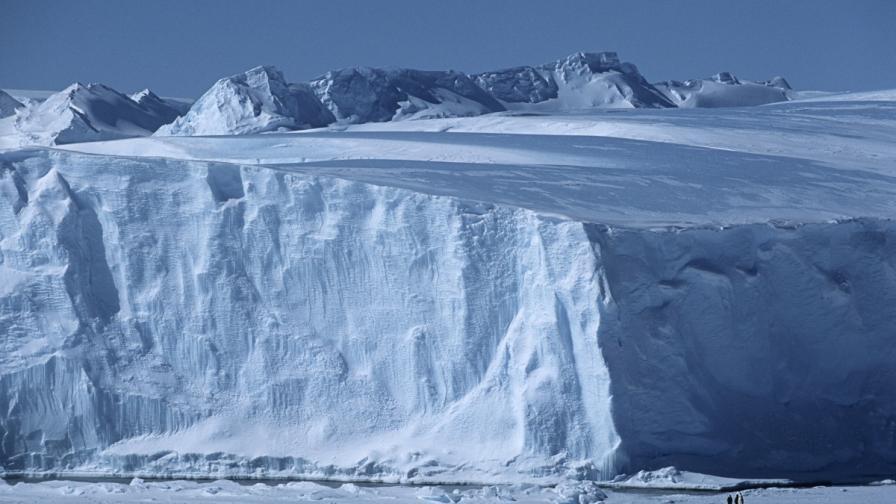 За първи път човек прекоси Антарктида сам