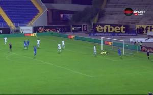 Роси размеси картите и дебютира успешно в Левски