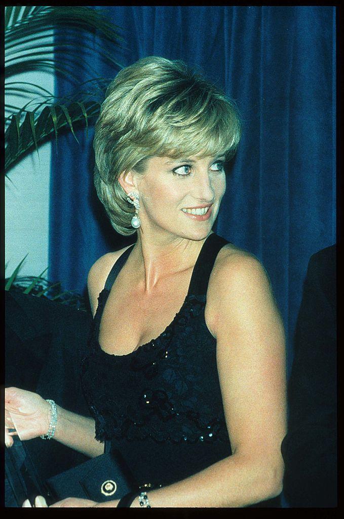 Женена е за принц Чарлз от 1981 до 1996 г.