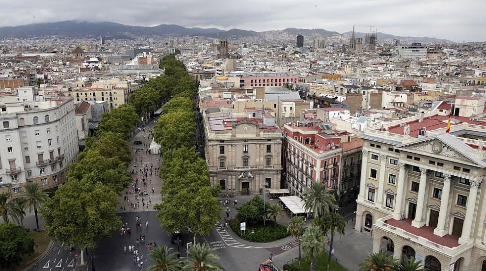Барселона почете паметта на жертвите от нападението на булевард Ла Рамбла