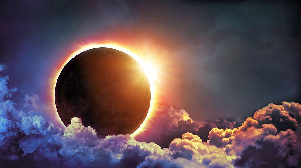 Гледайте на живо слънчевото затъмнение над САЩ (ВИДЕО)