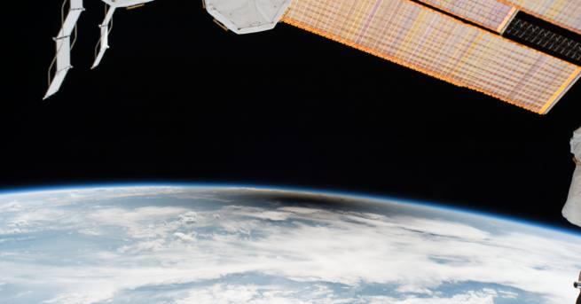 Милиони хора гледаха пълното слънчево затъмнение над територията на САЩ,