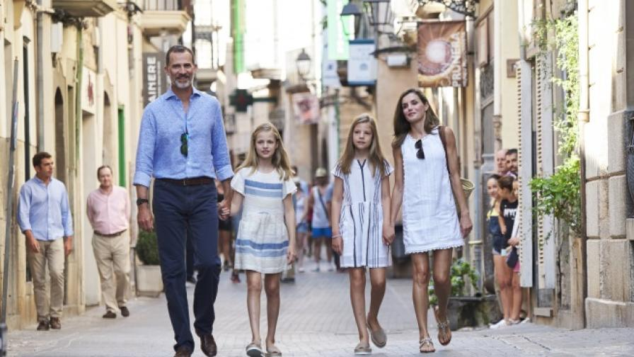 """Испанското кралско семейство """"конкурира"""" Уилям и Кейт"""