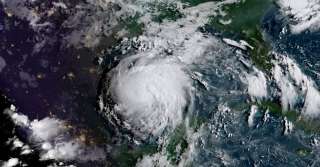 Тропическата буря Харви прерасна в ураган, който заплашва да засегне