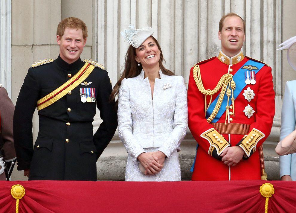Уилям, Хари и Кейт – най-усмихнатите членове на британското кралско семейство