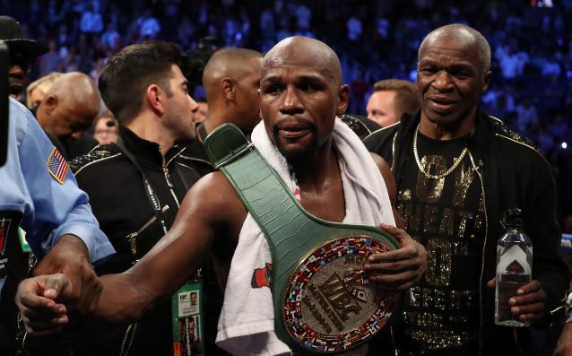 Пенсионираният бивш световен шампион по бокс в пет различни категории