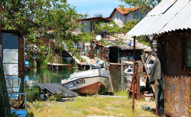Живописното Рибарско селище, скрито по пътя между Бургас и Созопол