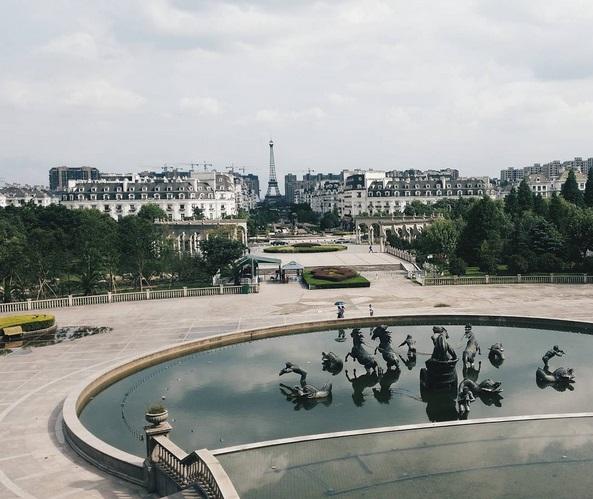Въпреки, че в тях вече никой не иска да живее, тези градове са магнит за туристите