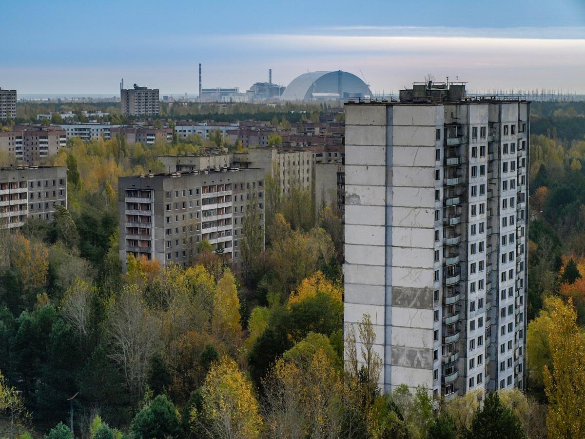 След инцидента в украинската ядрена централа Чернобил, близкият град Припят, където живеели много от работниците в централата със семействата си, трябвало да бъде евакуиран. Сега градът се руши, но може да се посещава от туристи с екскурзовод, тъй като нивата на радиация спадат.