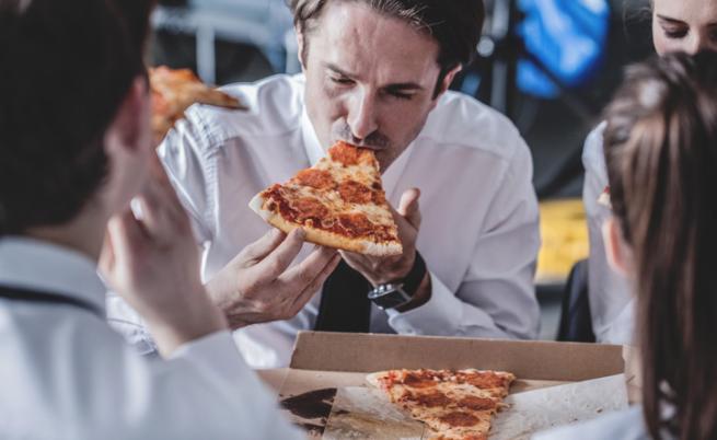 Пицата е предпочитан обяд от стотици служители