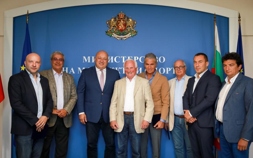 Шефовете на европейския конен спорт на посещение при министър Кралев