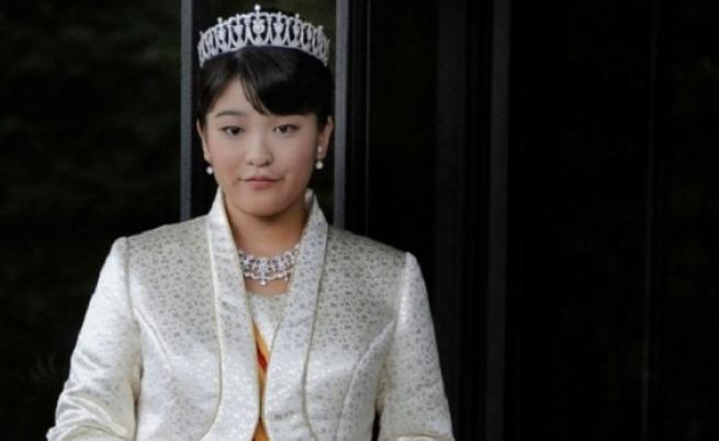 """Японската принцеса Мако ще стане """"обикновена японка"""" след сватбата си"""