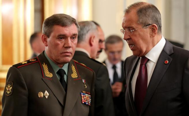 Валерий Герасимов (ляво) и руският външен министър Сергей Лавров