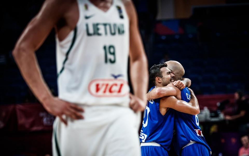 Гърция наказа Литва в точния момент и е на четвъртфинал
