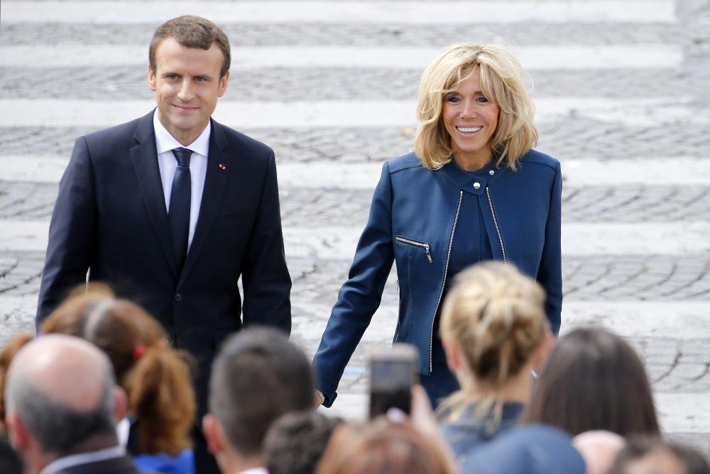 Френският президент Еманюел Макрон и съпругата му Бриджит.
