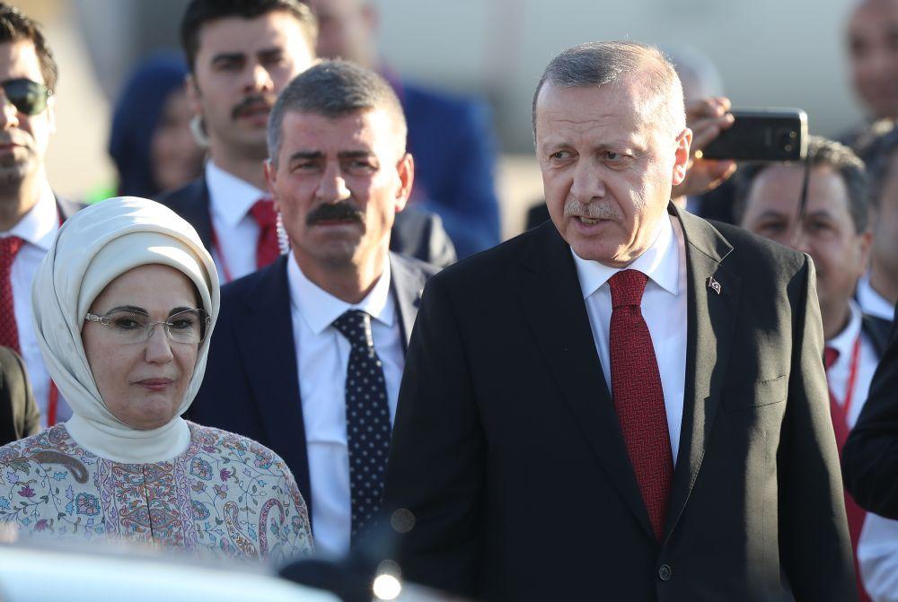 Турският президент Реджеп Ердоган и съпругата му Емине.