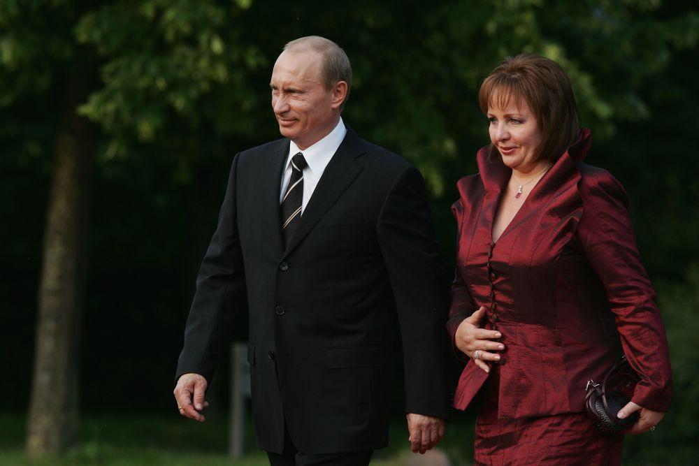 Руският президент Владимир Путин и бившата му съпруга Людмила.