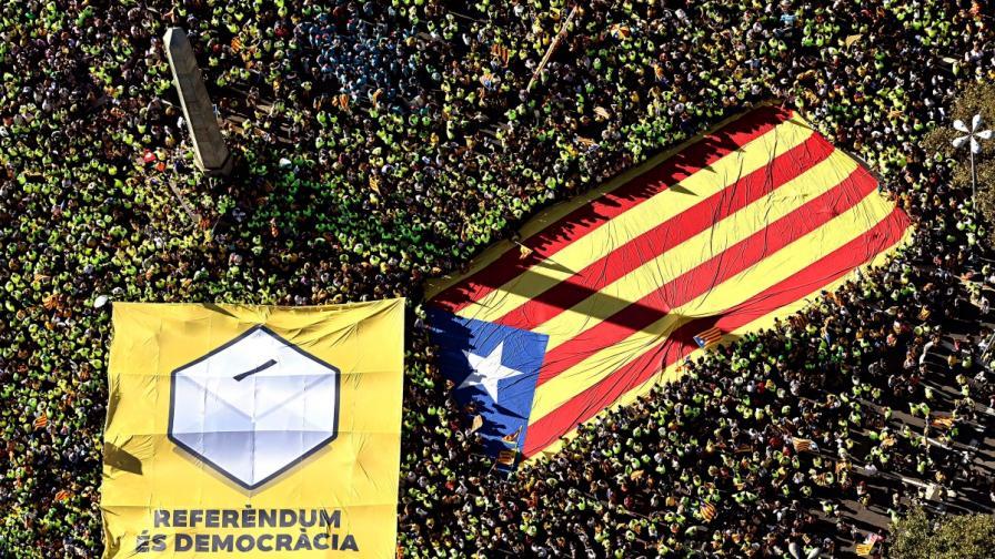 Испания заплаши Пучдемон, понеделник ще е критичен