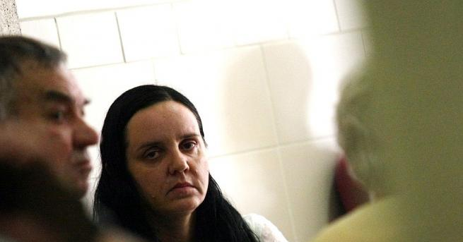 Жанет Желязкова, адвокатът на акушерката Емилия Ковачева, пребила новородено, смята,