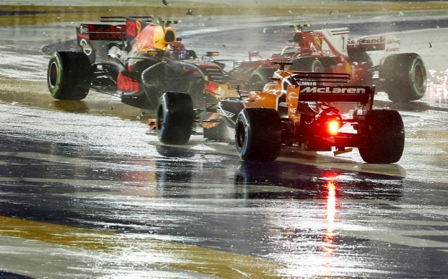 Люис Хамилтън с Мерцедес спечели Гран При на Сингапур, 14-ти