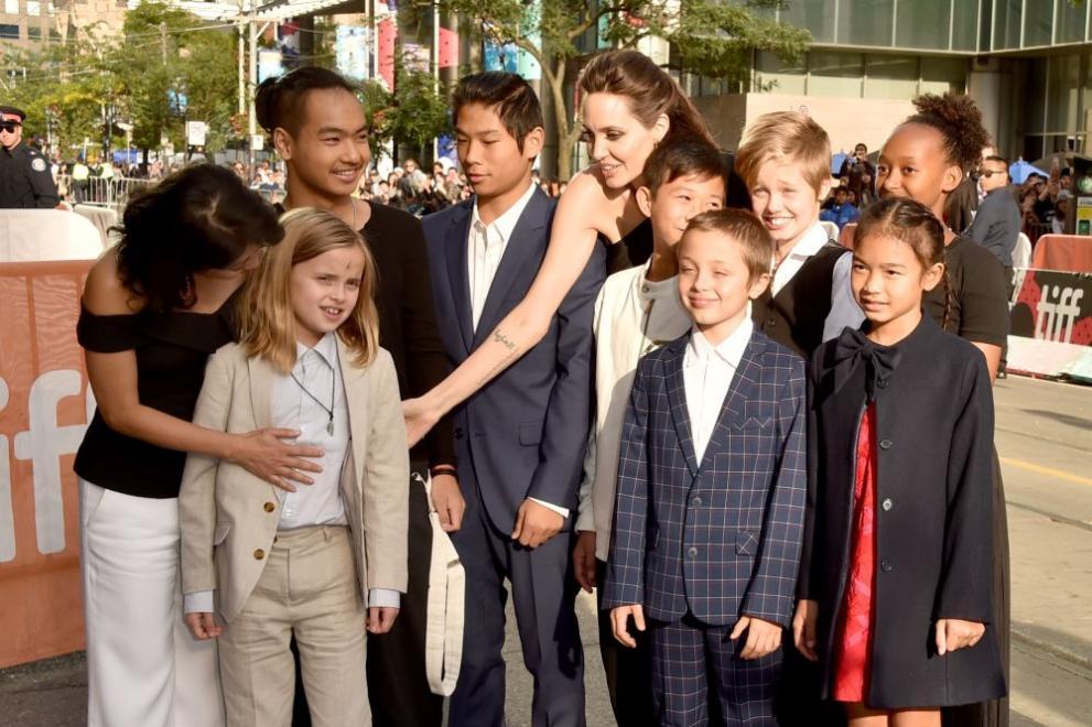 Анджелина Джоли: Страхувах се за безопасността на семейството си в брака с Брад