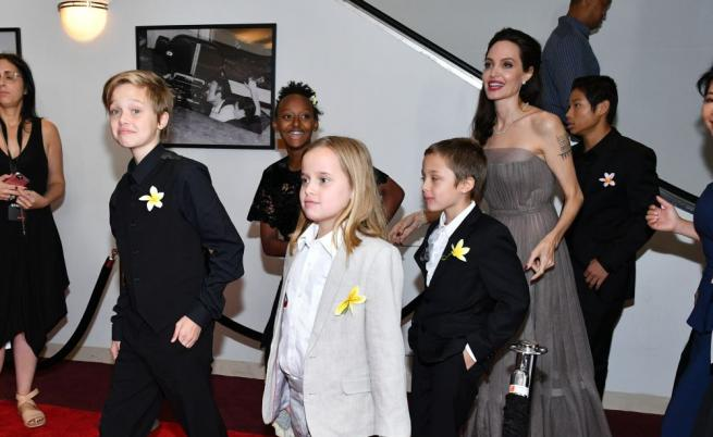 Дъщерите на Анджелина Джоли и Брад Пит, които предпочитат да изглеждат като момчета.